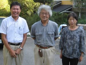 野村隆哉先生(写真中央)と弊社取締役